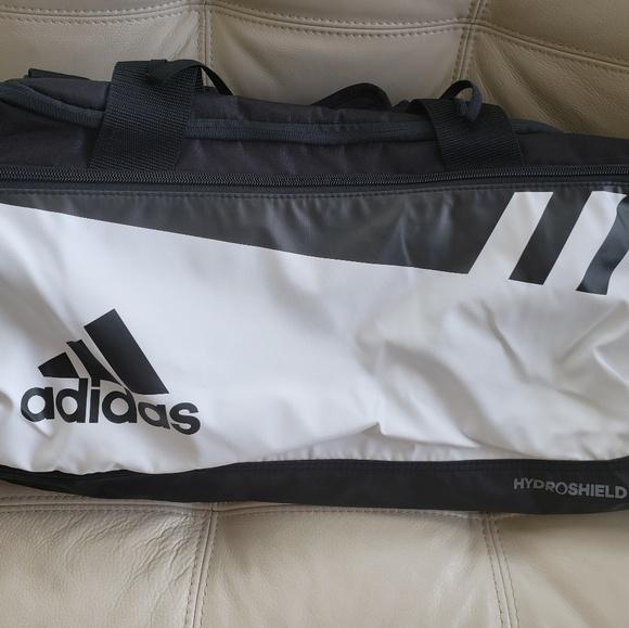 c66f8af3f2 Adidas Duffel Bag / Gym Bag